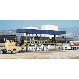 Walthers 3169 Tankställe för lastbilar
